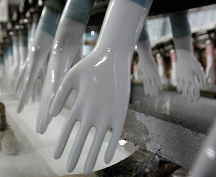 Фото производство хирургических перчаток